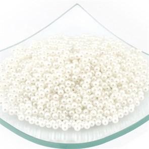 Бусины MAGIC 4 HOBBY круглые перламутр  4мм  цв.H1 белый уп.50гр (1800шт)