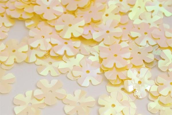Пайетки россыпью Ideal  арт.ТВY-FLK465  14мм  цв.020 св.желтый уп.50гр - фото 198404