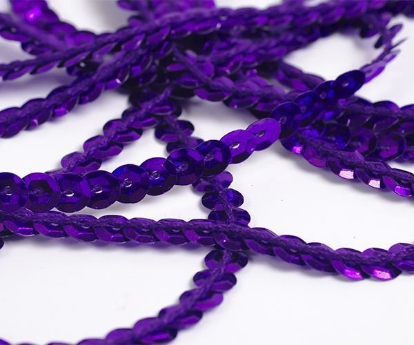Пайетки на нитях 6мм Silver Base арт.TBY-FLKU06-SB цв.12 фиолетовый уп.73.12м - фото 211421