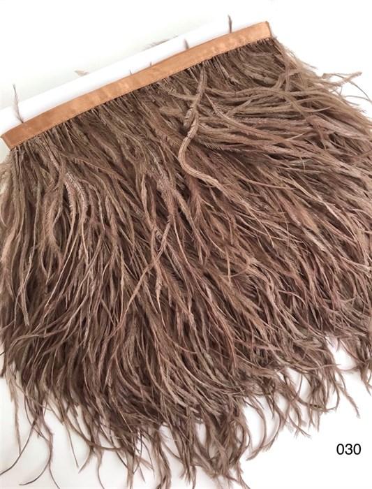 Перья на ленте (cтраус) арт.TPK-030 шир.12-15 см цв.коричневый уп.2м - фото 246138